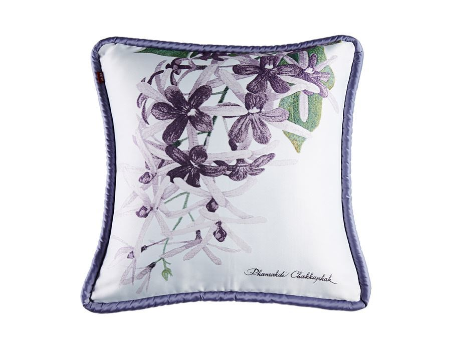 https://www.pasaya.com/content/images/thumbs/0011384_cushion-cover-fruitflower-purple-wreath-size18-x-18in.jpeg