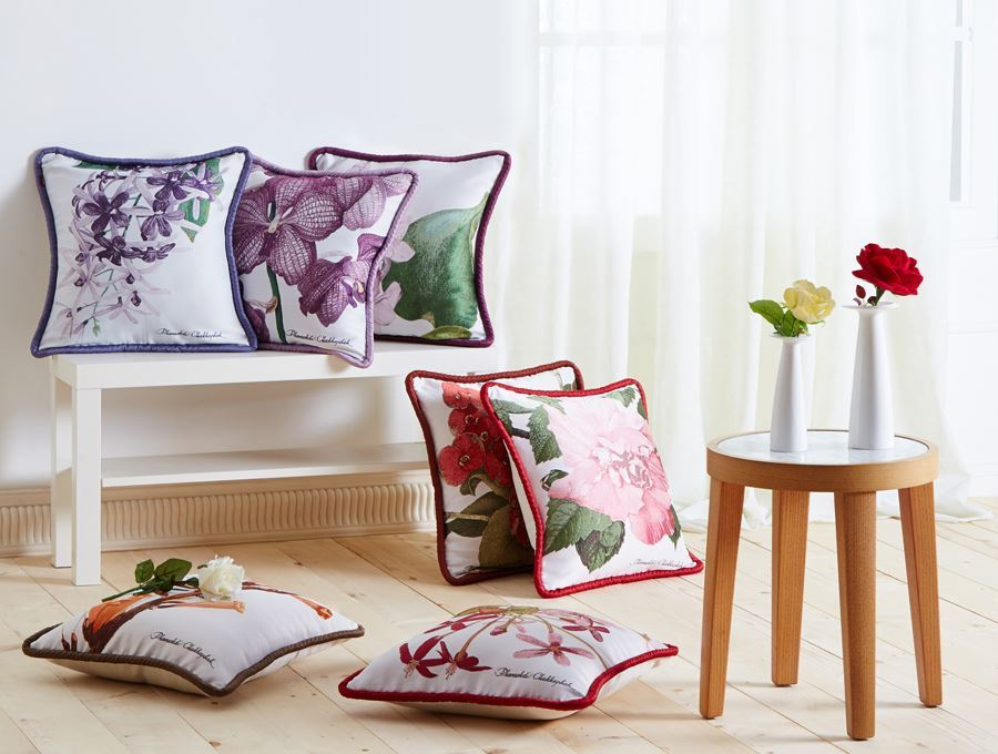 https://www.pasaya.com/content/images/thumbs/0011387_cushion-cover-fruitflower-purple-wreath-size18-x-18in.jpeg