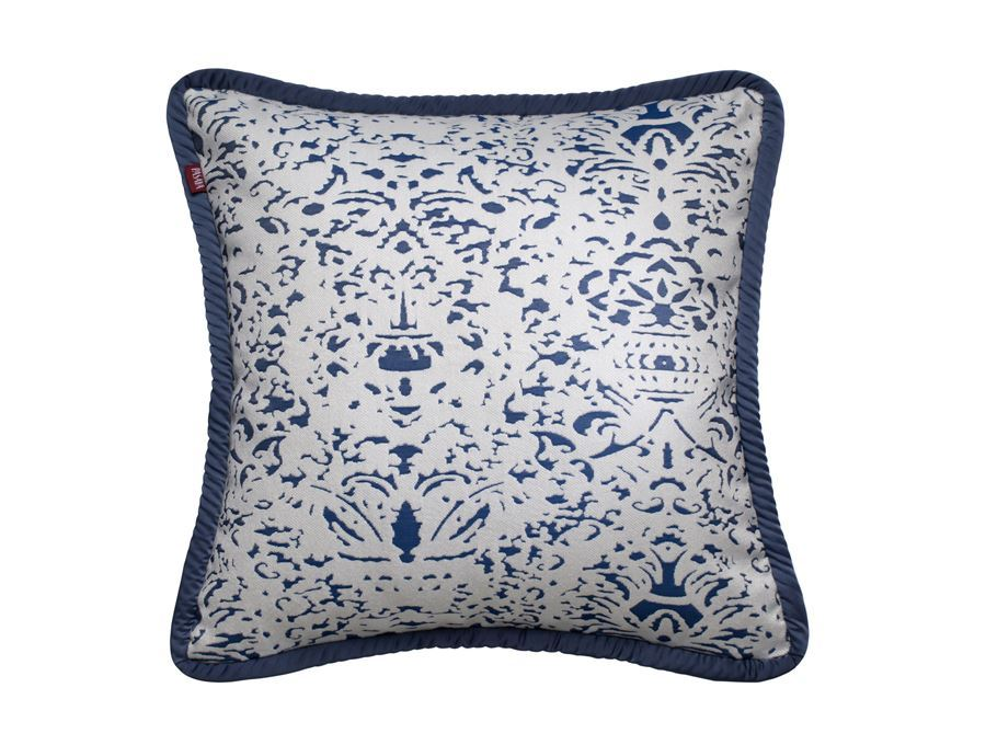 https://www.pasaya.com/content/images/thumbs/0011431_cushion-cover-romano-true-navy-size-18-x-18-in.jpeg